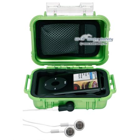 peli-i1010-microcase-green-1